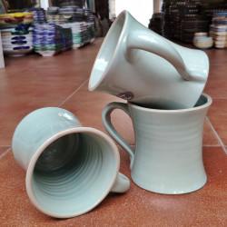 Tasse en Grès 10,5 cm. (4...