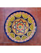 Platos multicolor grandes